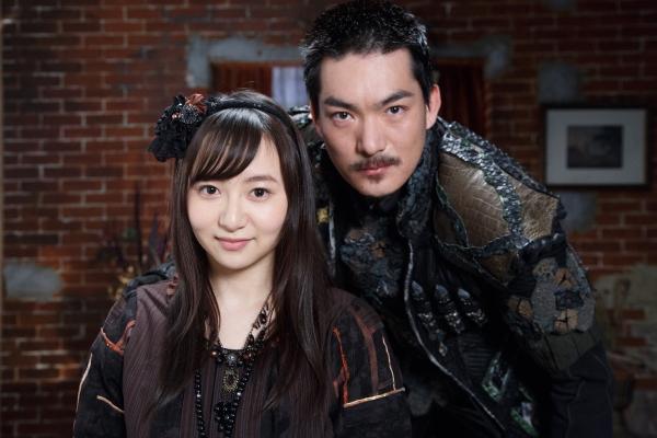 脇崎智史さん(写真右)と小松もかさん(写真左)