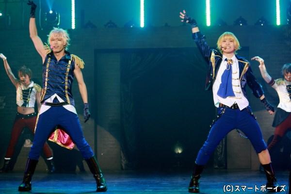 (左から)Six Gravity・師走 駆 役の輝山 立さん、如月 恋 役の横尾瑠尉さん