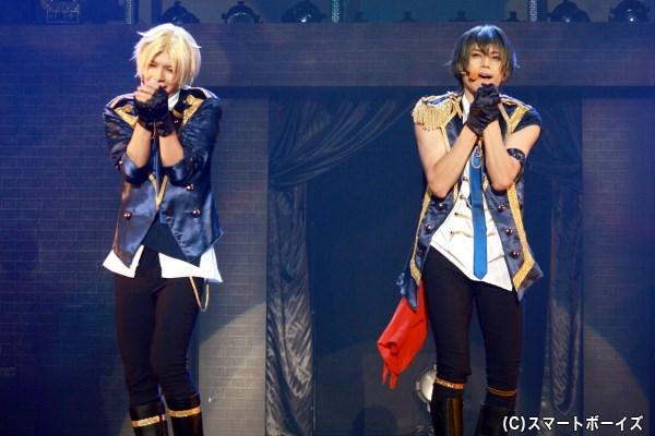 (左から)Six Gravity・皐月 葵 役の上仁 樹さん、卯月 新 役の竹中凌平さん