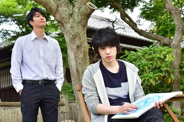 映画『花は咲くか』メインカット (左から)桜井和明役 天野浩成さん、水川蓉一役 渡邉剣さん