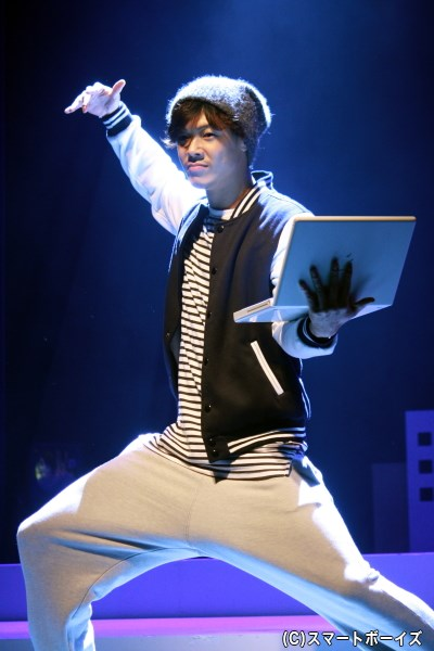 劇団脚本家である次男・森二郎(鷹松宏一さん)は、結婚式目前に劇団員から脚本の書き直しを要求され…