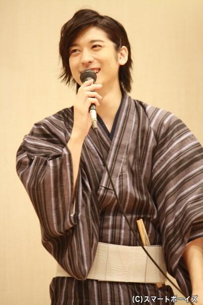 山本一慶さんが、浴衣姿でDVDにツッコミ&プライベートトークを披露!
