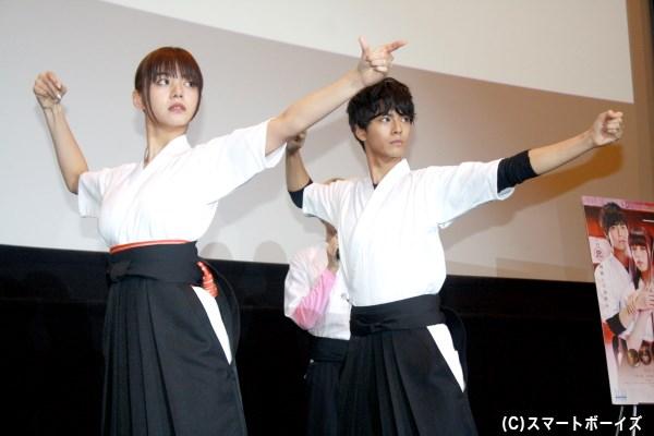 中尾さん演じる曜太が、池田さん演じる杏に型を教えるシーンも再現されました!