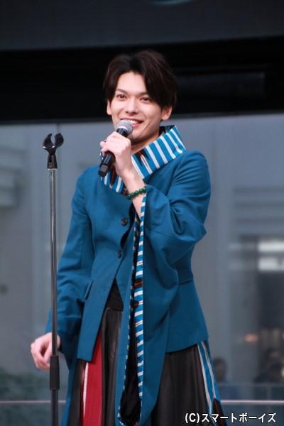 歌手デビューを果たした崎山つばささん