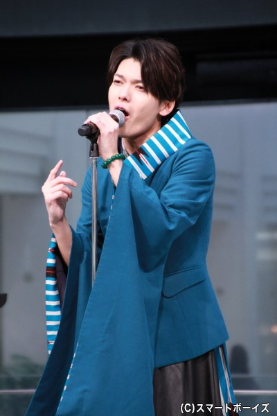 崎山つばさ熱唱ショット③