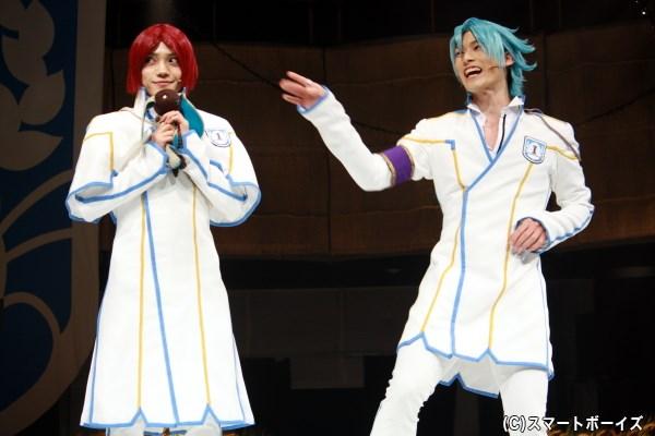 GAZEN BOYSの紫楊貴(左・伊崎龍次郎さん)と黒太閤(右・田内季宇さん)