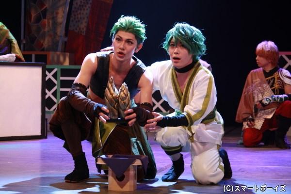 (左から)結忍・野沢菜役の小谷嘉一さん、わかめ役の立原寛也さん