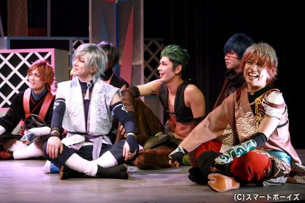 (写真右から2番目)結忍・唐揚げ役の嶋崎裕道さん