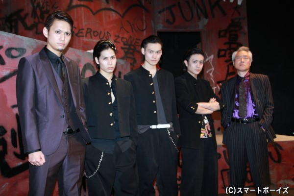 (左より)伊﨑央登さん、二葉勇さん、松本大志さん、堂本翔平さん、モロ師岡さん