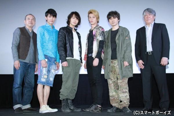 (左より)螢雪次朗さん、西川俊介さん、藤田玲さん、荒井敦史さん、甲本雅裕さん、渡辺武監督