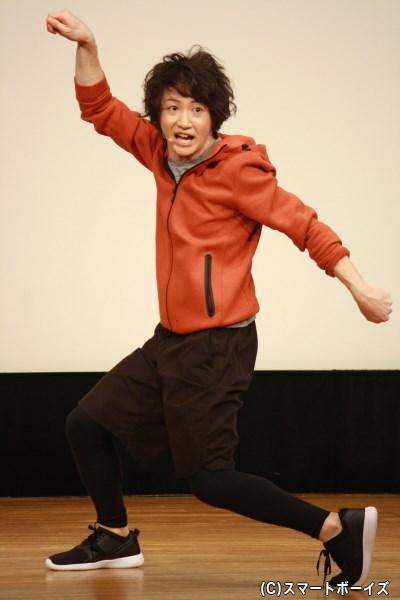 ポーズが独創的すぎる!?そこが魅力の吉田翔吾!