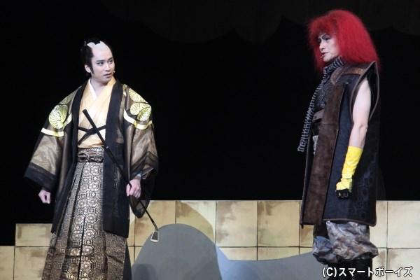 徳川組・徳川家康(左・滝口幸広さん)と上杉組・上杉景勝(右・松村雄基さん)