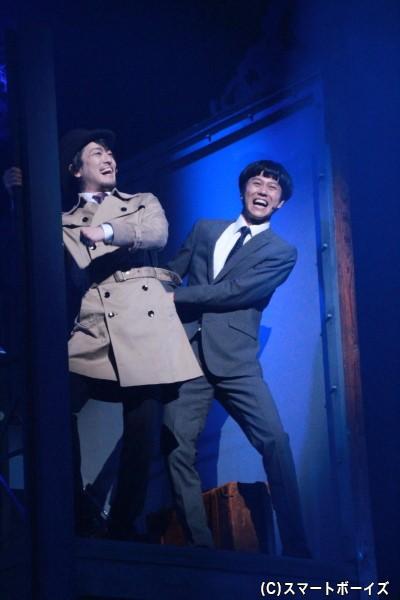 (左)フレッド・アバーライン役の高木俊さん (右)シャープ・ハンクス役の寺山武志さん