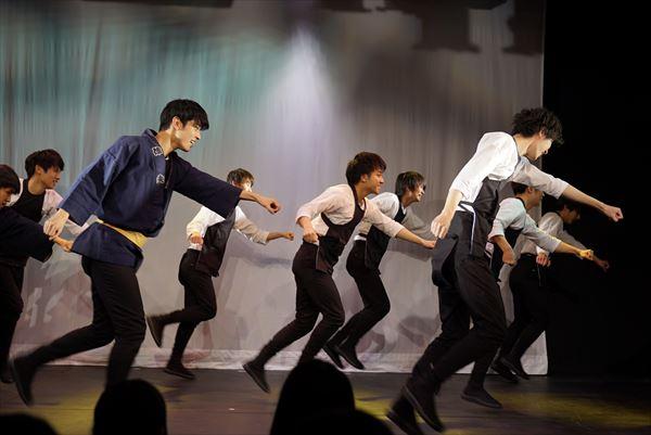 ダンスパフォーマンスで会場も大盛り上がり