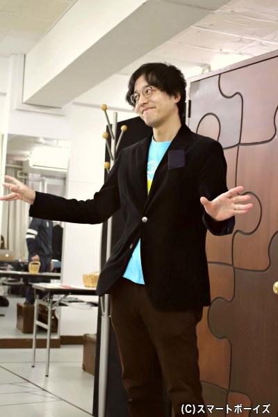 マシューの学生時代の旧友で財団の顧問弁護士・ロジャー役の伊藤裕一さん