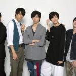 スタイリッシュなキャスト5名(左から平田裕一郎さん、小坂涼太郎さん、高橋健介さん、遊馬晃祐さん、横田龍儀さん)による、アナタがヒロインのスマホドラマが完成!