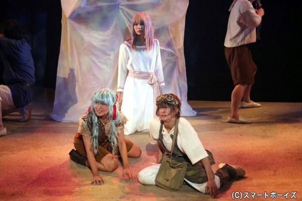 平和を望む少女・ネリ(中央奥・大野未来さん)は、チャクロにその想いを託す