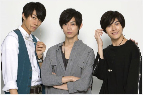 (左から)小坂涼太郎さん、高橋健介さん、遊馬晃祐さん