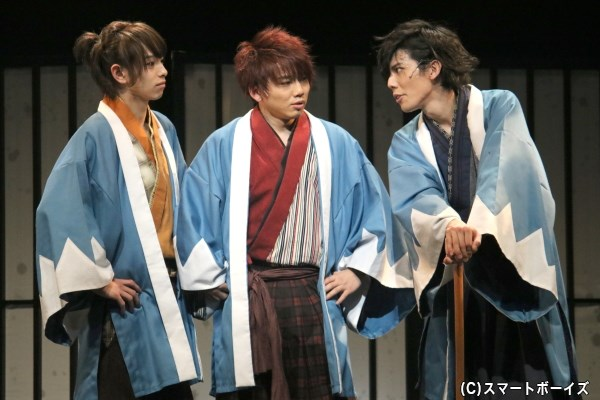 中島は、同じく新入隊士の市村(左端・杉江大志さん)、横倉(右端・健人さん)らと、新撰組での日々を過ごし成長していく