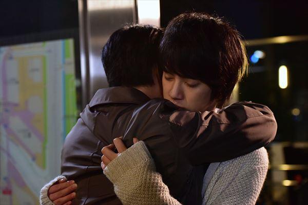 やっとわかり合えた二人の抱擁シーン