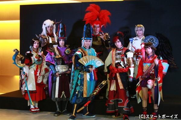 (後列左より)遊馬晃祐さん、君沢ユウキさん、矢田悠祐さん (前列左より)舞羽美海さん、佐々木喜英さん、良知真次さん、三浦宏規さん、伊藤優衣さん