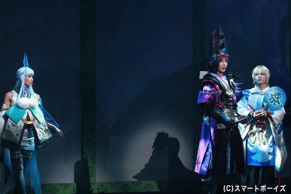 黒晴明に付き従う大天狗(左・矢田さん)と雪女(右・七木奏音さん)。彼らが企てていることとは……!?