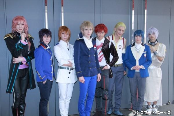 (左より)田中涼星さん、安川純平さん、山﨑晶吾さん、神永圭佑さん、高野洸さん、吉岡佑さん、内藤大希さん、北川尚弥さん