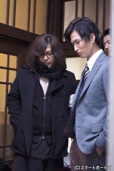 自身の出番がない時も撮影現場から離れない松田さん。西田監督と一緒に熱い視線をモニターに向けていました