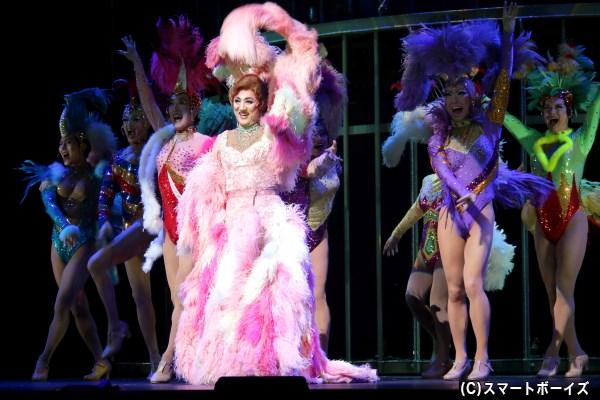 劇中では、ザザ&カジェルの華やかなショー・シーンも大きな見どころ!