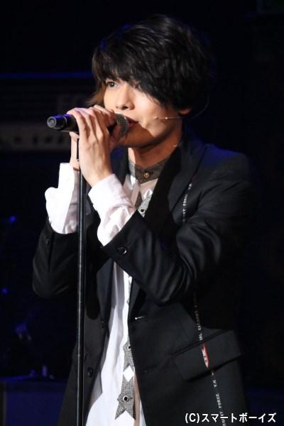 DICのボーカルを務める、<SHO>こと逢坂翔平(崎山つばささん)