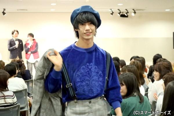 ゲスト・志村禎雄さんも、さすがのファッションセンス&ポージングを披露します!