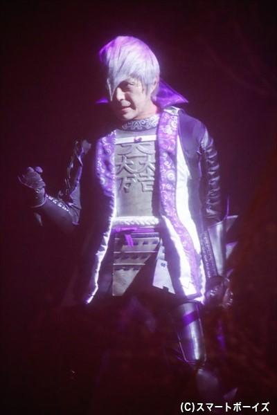 石田三成役の沖野さんは、脚のケガを押して舞台に出演!
