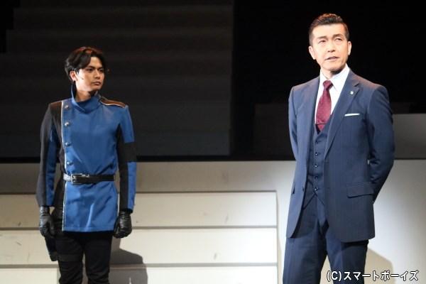 (左から)周 グエン 衝吾役の伊藤孝太郎さん、志倉一仁役の大澄賢也さん