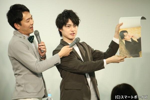 カレンダーはもちろん、松村さんのトークが楽しみなニコ生新番組も要チェック!