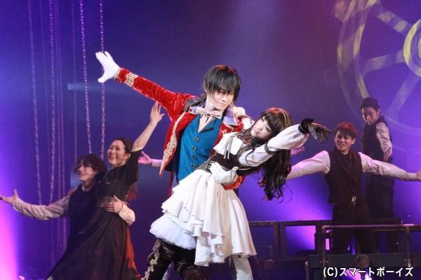良知さんと長谷川さんの華麗なダンスも見どころです