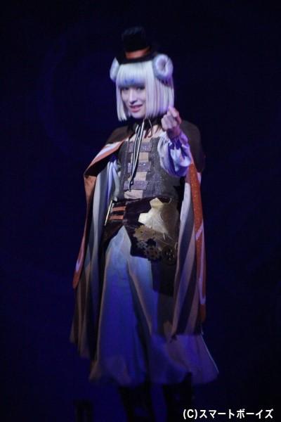 フィーニス役の星元裕月さん