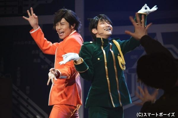 今回もハイテンションな東海道兄弟、東海道新幹線(右・永山たかしさん)と東海道本線(左・鯨井康介さん)