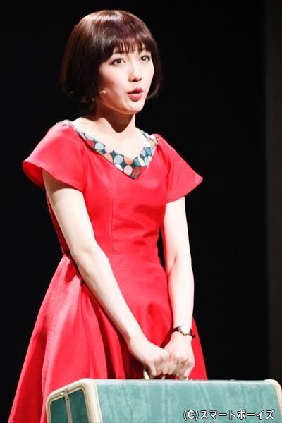 22歳のアメリを演じる渡辺麻友さん