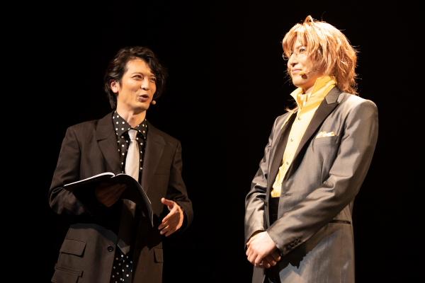 MCを務めた窪寺昭さん(写真左)