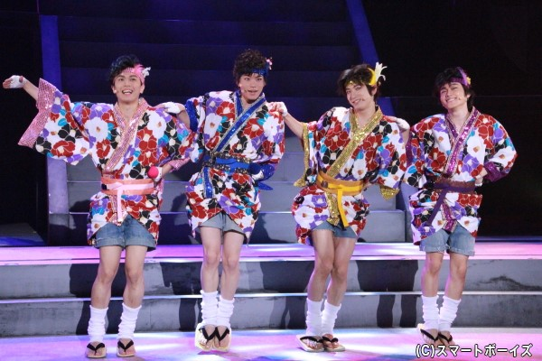 佐藤さん、芹沢さん、深澤さん、大海さんが演じるアイドル4人組「ふらわーあれんじめんと」の歌やダンスにも注目です!