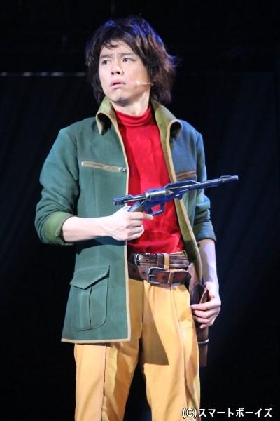 宇宙海賊に憧れ、宇宙の旅を夢見る少年・主人公の星野鉄郎(中川晃教さん)