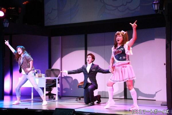 初演で大きな反響を呼んだ駒田さん演じるジェシカ(右)。再演ではさらにパワーアップしています!