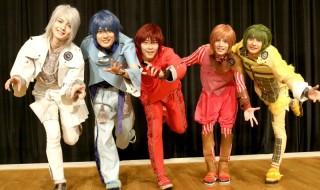 (左から)小南光司さん、崎山つばささん、猪野広樹さん、横田龍儀さん、橋本祥平さん