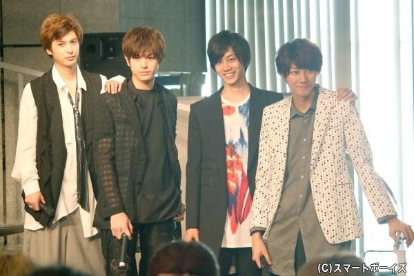 (左から)平田裕一郎さん、遊馬晃祐さん、高橋健介さん、小坂涼太郎さん