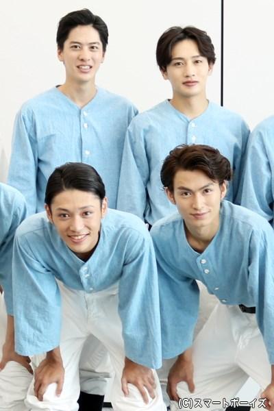 (後列左から)白又敦さん、松本岳さん (前列左から)安西慎太郎さん、松田凌さん