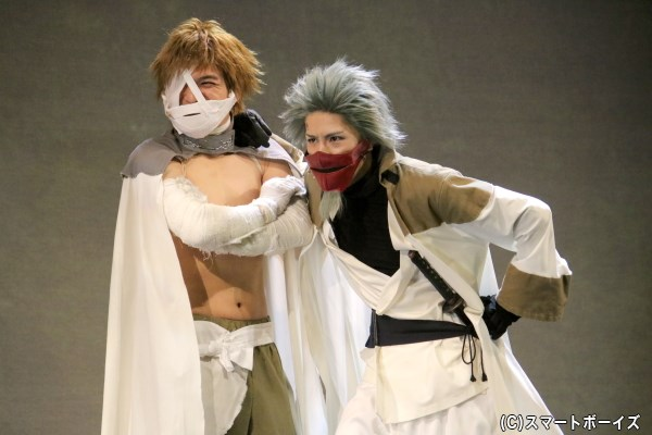 (左から)弐虎役の喜多野章太郎さん、壱丸役の松田一希さん