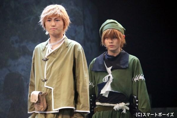 (左から)弁丸役の篠原 立さん、猿飛佐助役の大崎捺希さん