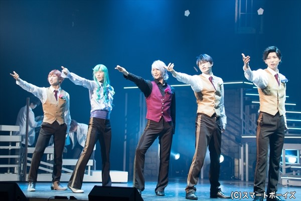 前作でミュージカル学科のトップ・華桜会を追放された鳳だが、卒業を前に新たな展開が!