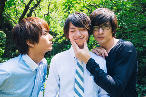 (左から)『文学処女』内の中尾暢樹さん、綱 啓永さん、城田 優さん
