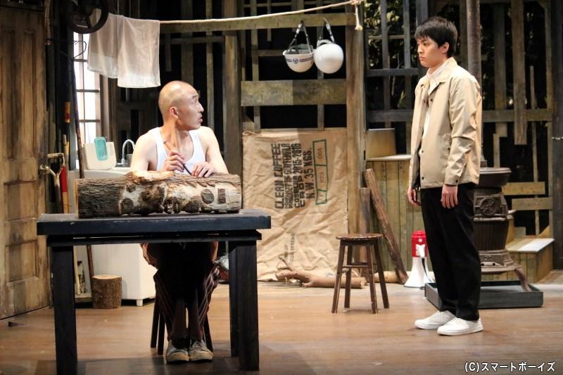 (左から)西田賢児役の日暮玩具さん、東山玲央役の大薮丘さん